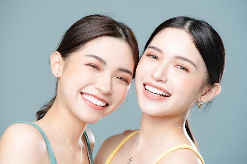 超美雙胞胎女孩的美齒計劃